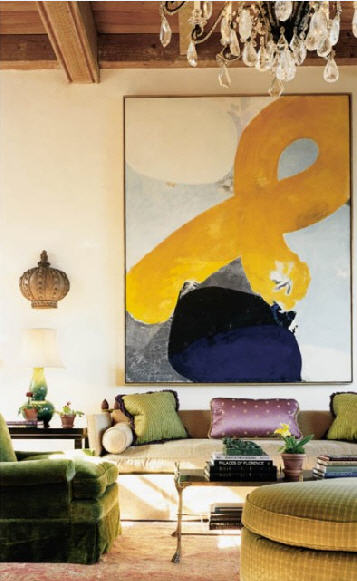 Artistic-Living-Room-with-Contemporary-Oversized-Artwork
