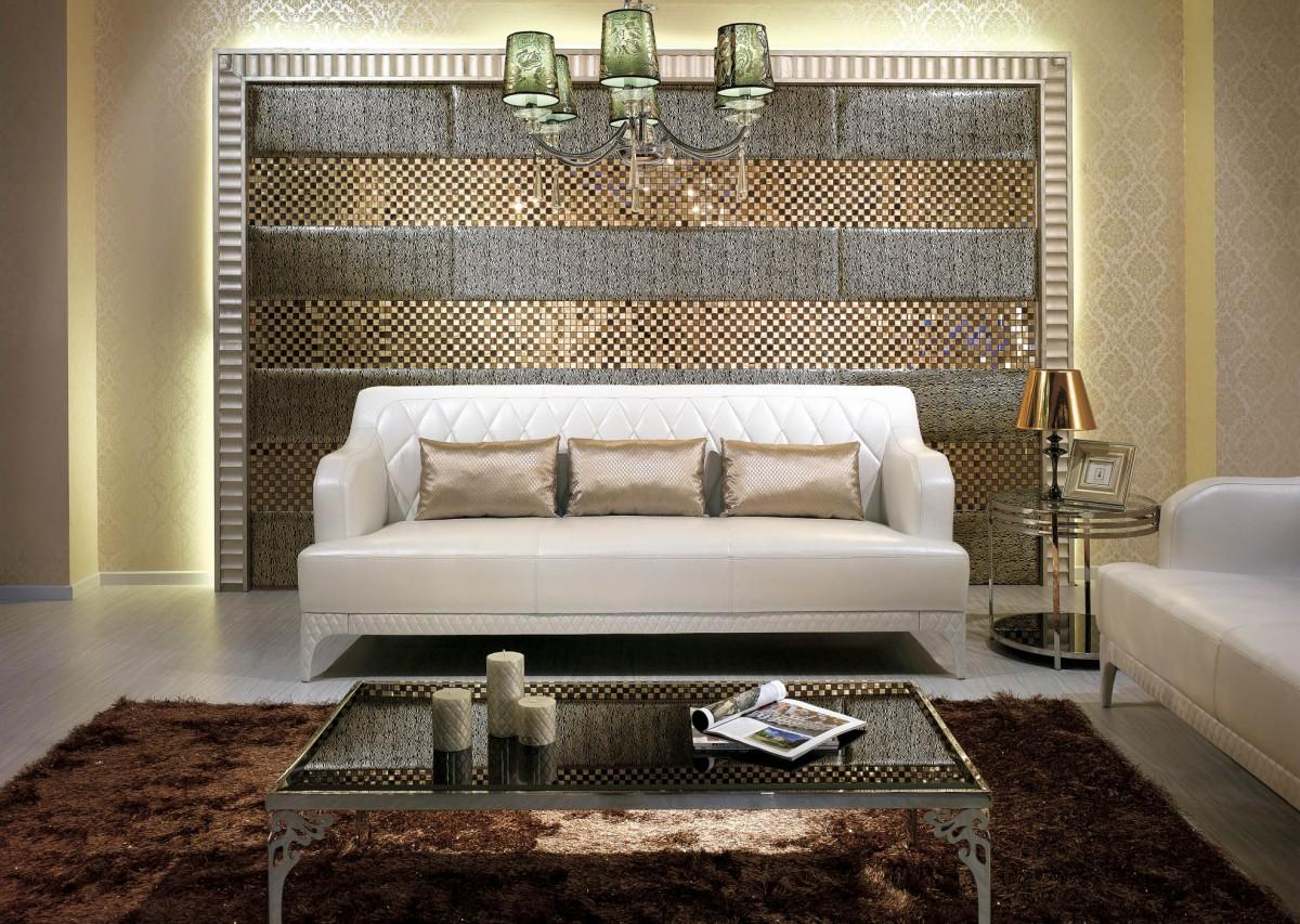 Delicieux Terrific Living Room Wall Decor With Sparkling Tiles Exotic Pendant Lamps  And Elegant Fur Rug